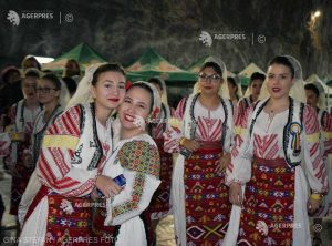 REPORTAJ Harghita: Peste 250 de copii, în Salina Praid, la un festival multicultural care promovează buna convieţuire