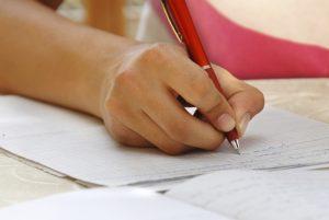 Ministerul Educaţiei precizează că încă nu a fost luată o decizie cu privire la data începerii anului şcolar