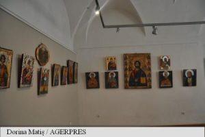 Expoziție unicat de icoane pe lemn, la Muzeul de Etnografie din Târgu Mureș