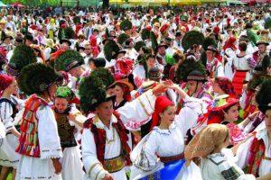 """Patru formații din județ au anunțat participarea la festivalul """"Tinere talente"""". Înscrierile continuă până luni"""