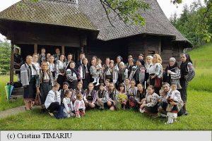 """În comuna Tulgheș se va înființa o """"Academie a Iei"""": Nimeni nu ne poate dezbrăca de portul nostru"""