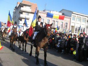 Prefectura Covasna: Derapajele naţionalist-extremiste la manifestările de Ziua Naţională sunt intolerabile