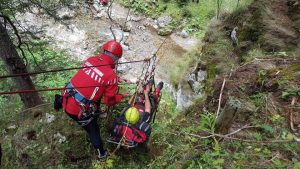 O amplă operațiune de căutare a unui bărbat care s-a rătăcit în pădure,  a avut loc vineri