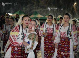 REPORTAJ Harghita: Peste 250 de copii, în Salina Praid, la un festival multicultural care promovează buna convieţuire