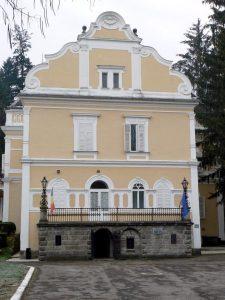 """Clădirea Centrului de Cultură Arcuș s-ar putea reîntoarce în proprietatea de drept a Statului Român     """"...Nu ducem această luptă pentru noi. O ducem pentru a proteja un patrimoniu național, un drept de proprietate al statului."""" –av. Ioan Sabău Pop"""