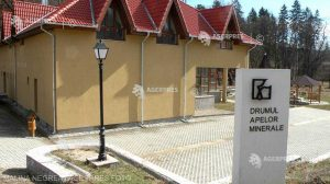 """Autorităţile caută soluţii pentru rentabilizarea centrelor balneare construite prin """"Drumul apelor minerale''"""