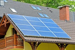 Sesiunea de depunere a dosarelor de finanţare pentru instalarea de sisteme fotovoltaice în gospodăriile izolate, prelungită până pe 11 octombrie