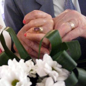 În acest an, 35 de cupluri de aur și diamant vor fi felicitate