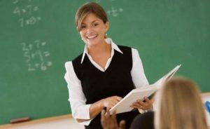 """Programul """"Profesor pentru o zi"""", deschis pentru cei interesați"""