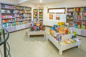 O nouă librărie cu cărţi în limba română şi-a deschis porţile la Sfântu Gheorghe