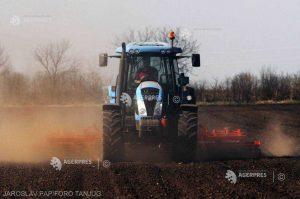 Românii consideră că agricultura este importantă, dar 70% dintre ei nu ar lucra în acest sector (sondaj)
