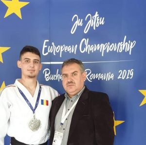 Medalii de aur și de argint  obţinute de sportivii covăsneni la campionatele Europene de Ju-Jitsu adulți şi master