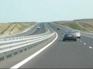 Murad: Peste 10 % dintre turiştii care îşi făcuseră rezervări pe litoral le-au anulat din cauza reparaţiilor la A2