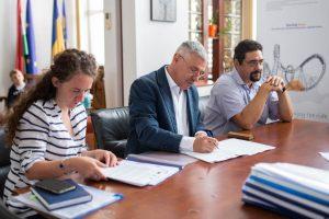 De la idee la realizare Au fost semnate contractele de subvenție pentru primele cinci proiecte în cadrul programului StartUp Now