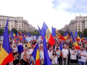 Protest în Piaţa Victoriei împotriva OUG privind Codul Administrativ, duminică