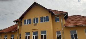 """Acoperișul Centrului Cultural """"Ioan Ciora"""" din Zagon a fost refăcut cu sprijin financiar oferit de C.J. Covasna"""