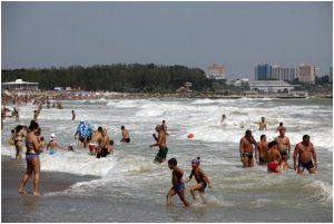 Ministrul Turismului, despre prelungirea vacanţei: Să avem grijă de elevii noştri, dar să protejăm şi turismul