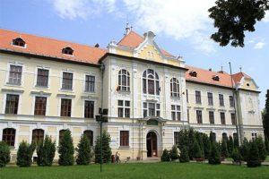 """Primăria Târgu Mureş: demersuri pentru a readuce în patrimoniul oraşului clădirea retrocedată a Colegiului Naţional """"Unirea"""""""