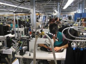 Fabricile de pantaloni, în topul celor mai mari angajatori din judeţ