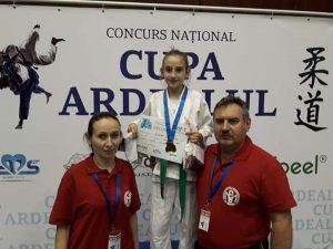 Veronica Oltean, triplă campioană balcanică și națională la doar 12 ani