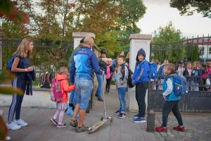 """Mii de elevi au venit fără mașină la școală în Săptămâna Europeană a Mobilității  Colegiul Național """"Mihai Viteazul"""" s-a dovedit a fi cea mai mobilă școală din Sfântu Gheorghe"""