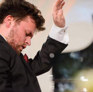 Pianistul Szőcs Botond, în recital, mâine, la Sfântu Gheorghe