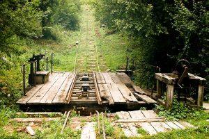 CJ vrea să cumpere calea ferată forestieră din Comandău şi să o repună în funcţiune împreună cu Planul înclinat