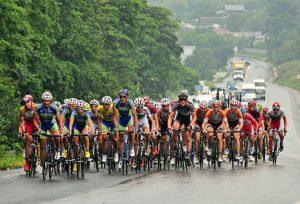 Turul ciclist al României tranzitează judeţul; restricţii de circulaţie pe mai multe drumuri