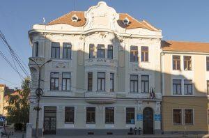 Bugetul local, modificat la Târgu Secuiesc: montarea a două semafoare inteligente, în plan