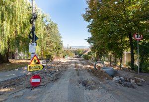 Lucrările de reabilitare a străzilor sunt în curs de desfășurare în Sfântu Gheorghe