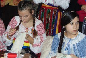 """""""Tradiții și obiceiuri din Vâlcele"""", ținute vii  """"Reînvierea tradiţiilor şi obiceiurilor este un act de adâncă preţuire pentru valorile spirituale ale neamului nostru."""""""