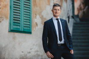 Rise Project anunță că DLAF verifică unele dintre proiectele firmei lui Dan Barna. Reacția USR