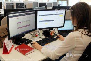 Un sfert dintre angajatori îngheaţă salariile în acest an (sondaj)
