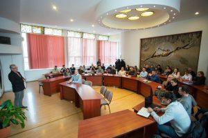 REPORTAJ Harghita: Copii reprezentând zone istorice şi minorităţi naţionale, la un festival al bunei convieţuiri, în Salina Praid