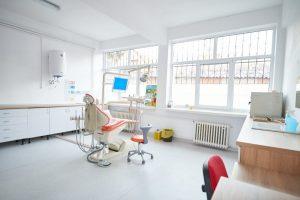 Cabinetele stomatologice din şcolile din Sfântu Gheorghe au fost renovate