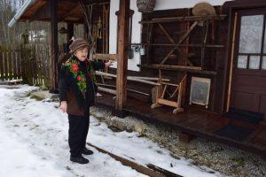 """""""Şura cu vechituri'' - un autentic muzeu etnografic amenajat într-o şură de o pensionară din Izvoru Mureşului"""