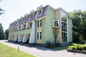 Centrul de Educaţie Arcuş, la dispoziţia personalului medical care optează să stea separat de familii în perioada pandemiei