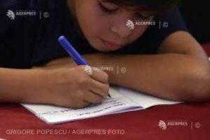Cursuri de Teleşcoală, de astăzi, la TVR, pentru elevii care se pregătesc pentru Evaluarea Naţională şi Bacalaureat