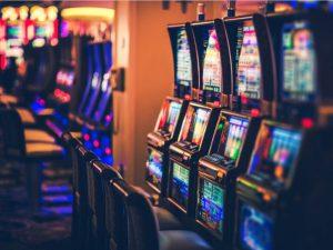 Toate cazinourile din Covasna s-au închis! Nicio grija, poți juca online!