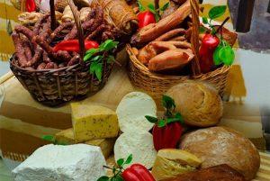 Ministrul Agriculturii lansează un apel pentru susţinerea fermierilor: Haideţi să cumpărăm doar produse româneşti!
