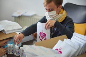 Primăria Sfântu Gheorghe va distrubui peste 20.000 de pachete cu măşti şi dezinfectanţi
