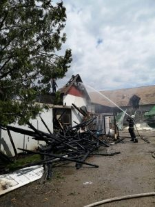 ISU Covasna: Incendiu la acoperișul unei unități de prelucrare a cărnii din municipiul Sfântu Gheorghe