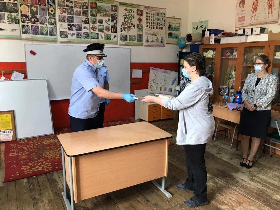 Un elev din Araci, premiat de IJJ Covasna, pentru rezultatele școlare deosebite