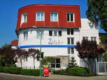 O fabrică din Târgu Secuiesc şi-a suspendat parţial activitatea; o angajată a fost diagnosticată cu COVID