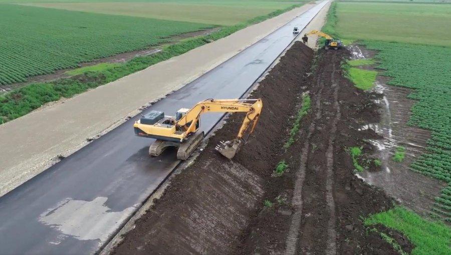 Un tronson din autostrada Comarnic - Braşov va fi dat în folosinţă în luna noiembrie, cu zece luni mai devreme