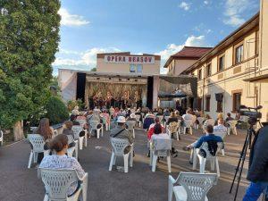Stagiunea în aer liber continuă la Opera Brașov