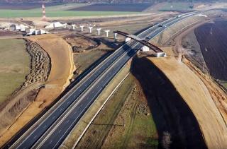 Vălean: Accelerarea construcţiei de autostrăzi în România depinde în principal de autorităţile din România