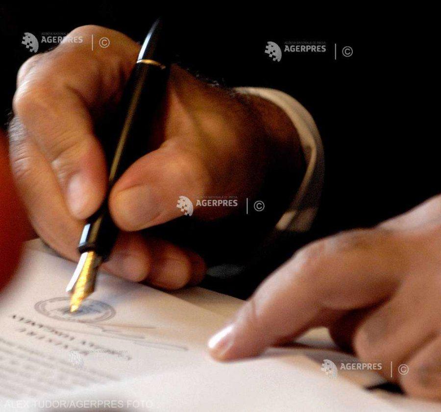 CCR amână pe 15 iulie sesizarea referitoare la legea privind declararea Zilei Tratatului de la Trianon