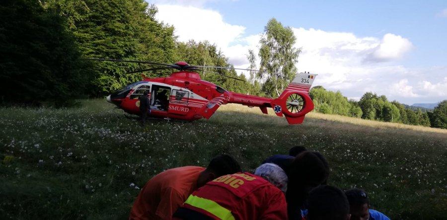 ISU Covasna: Un bărbat rănit în urma unui accident cu o motocicletă a fost salvat de pompieri și transportat cu elicopterul SMURD la un spital din capitală
