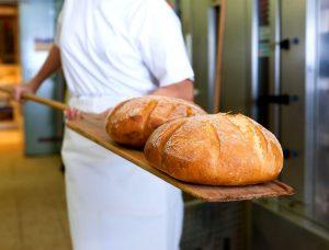 Substanţe toxice depistate în mai multe sortimente de pâine fabricate de o unitate de panificaţie din judeţ